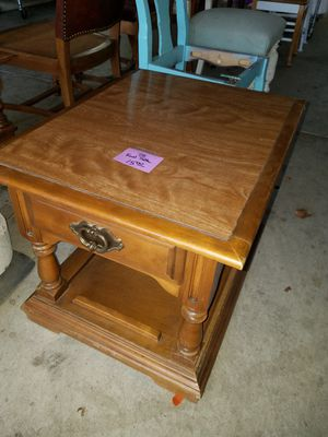 End Table w/ Drawer for Sale in Modesto, CA