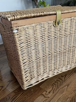 Wicker Storage Bin On Wheels - FREE for Sale in Chicago,  IL
