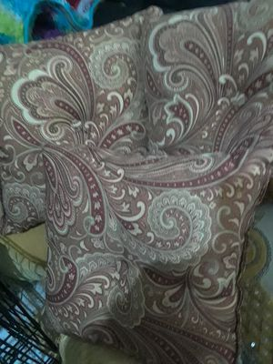 3 Paisley Pillows $20.00 cash only (serious buyers) for Sale in Dallas, TX