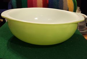 Vintage Pyrex Casserole Dish 2 Quart #024. Trade Mark 12. Made in USA for Sale in Queens, NY