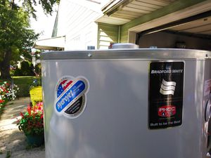75 gal Bradford White Water Heater for Sale in Columbus, OH