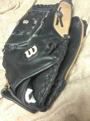 `Wilson' black & brown Leather softball/baseball glove for Sale in Edmonds, WA