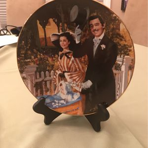 """Gone With Wind Collector China Plate #472H """"Scarlett & Brent's Strolling In Atlant"""" for Sale in Macedonia, OH"""