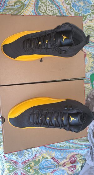 Retro Jordan 12 gold university sz 11 and 12 for Sale in Brooklyn, NY