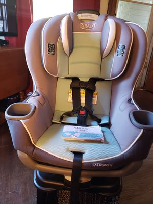 Graco extend2fit car seat for Sale in Rochester, NY