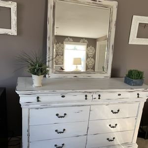 Farmhouse Style Dresser With Mirror. Chalk Painted And Distressed For Antique Look. 6 Deep Drawers And 2 Smaller Top Drawers For Smaller Items. for Sale in Fairfax, VA