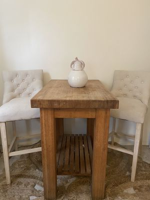 Moving sale!! *tufted, cream bar stools* for Sale in Santa Monica, CA