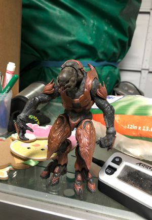 General zealot (Halo 4) collectible action figure for Sale in Turlock, CA