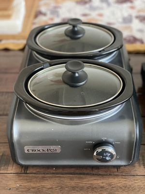 2 connectable crock-pots for Sale in Lomita, CA