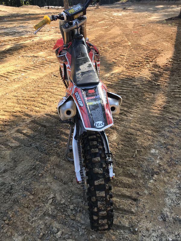 Honda CR450 Dirt bike