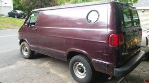 1997 dodge Ram B-1500 cargo surveillance van 6 cyl for Sale in Seymour, CT