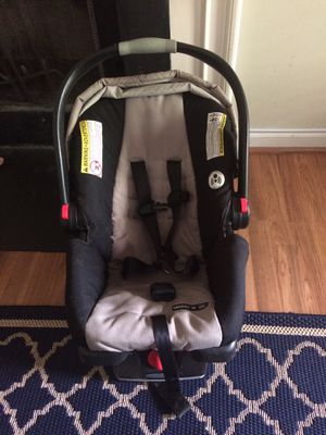 Graco snugride 35 for Sale in West Columbia, SC