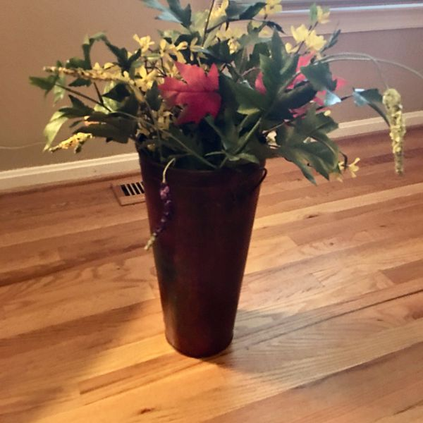 "Metal decorative vase 18 "" & Flowers"