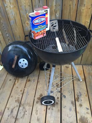 Weber grill and accessories for Sale in Germantown, MD