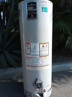 30 gallon hot water heater with warranty 140 for Sale in Paramount, CA