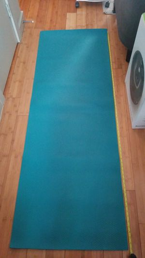 67 in Yoga mat - teal for Sale in Austin, TX