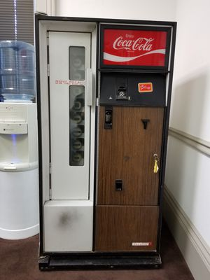 Coca Cola machine for Sale in Tacoma, WA