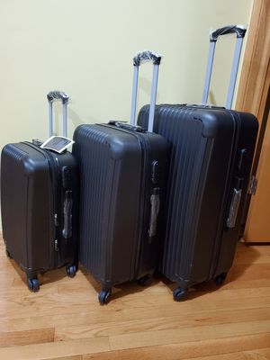 Elite 3 piece luggage set Black hard case Spinner TSA for Sale in West Chicago, IL