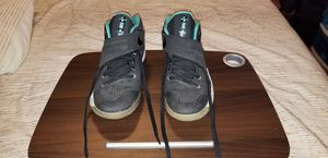 EUC Nike Boys Basketball Shoes Kyrie 2 Blk/Wht/Hyper Jade Skull Sz 7Y 826673-001 for Sale in Palmdale, CA
