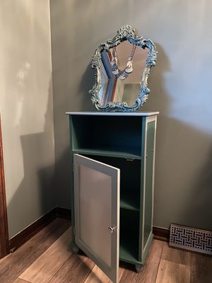 cabinet with or without decorative mirror for Sale in East Amherst, NY