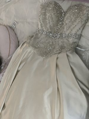 Like new wedding dress size 10 for Sale in Fremont, CA