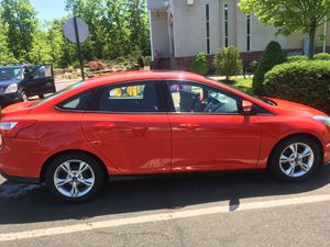 Ford Focus SE 2014 clean title 105200 k miles gud condition for Sale in Boston, MA