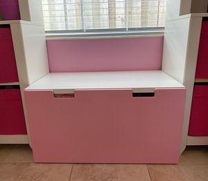 Pink & White Toy Chest for Sale in Miami, FL