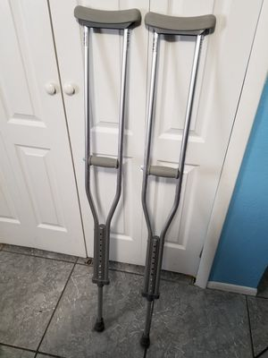 Crotches Excellent Condition for Sale in Orlando, FL
