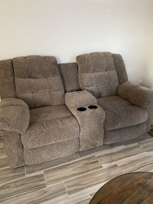 2 seat reclining love seat - in excellent condition! for Sale in Chandler, AZ