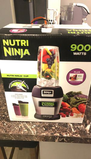 Nutri ninja 900 watts for Sale in Whittier, CA