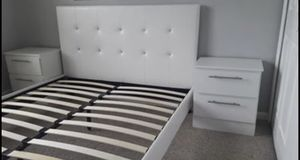 New queen bed frame and nightstands for Sale in Orlando, FL