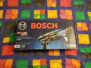 New Bosch Bulldog Xtreme 8 Amp 1 in. Corded Variable Speed SDS-Plus Concrete/Masonry Rotary Hammer Drill with Carrying Case for Sale in Renton, WA