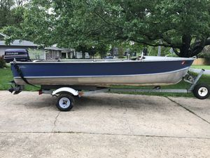 13' Cadillac aluminum boat/25 Evinrude/fish finder for Sale in Bel Air, MD
