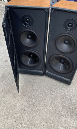Polk audio model S 10 floor speakers 20 to 200 Watts for Sale in Brooks, OR
