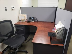 OFFICE DESK & CUBICLE for Sale in Corona, CA