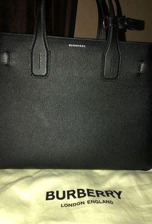 Burberry purse/bag for Sale in Avondale, AZ