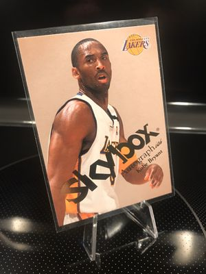 **2004 Fleer Skybox Kobe Bryant Card**Autograph-ics**Lakers Jersey 8 Black Mamba Collectible Memorabilia**MINT**$22 OBO for Sale in Carlsbad, CA