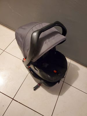 BRITAX B-SAFE 35 ULTRA BABY CAR SEAT WITH BASE for Sale in Miami, FL