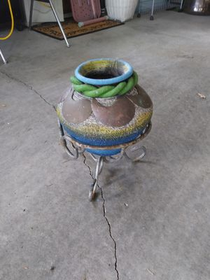 Ceramic pot with copper decorations for Sale in Joint Base Lewis-McChord, WA