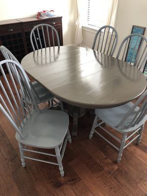Pedestal Table and 6 Chairs for Sale in Tampa, FL
