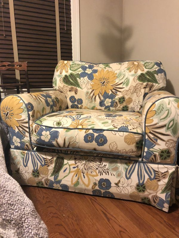 Oversized chair free pick up today