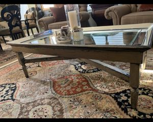 Gorgeous Mirrored Coffee Table for Sale in Modesto, CA