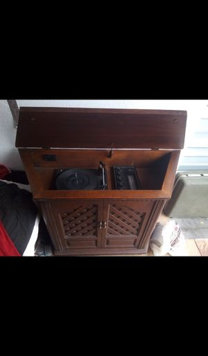Antique record player for Sale in Altoona, WI