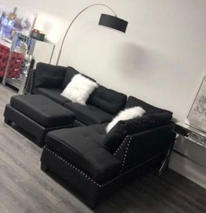 Black sectional sofa with ottoman 104x75 new in box for Sale in Fort Lauderdale, FL