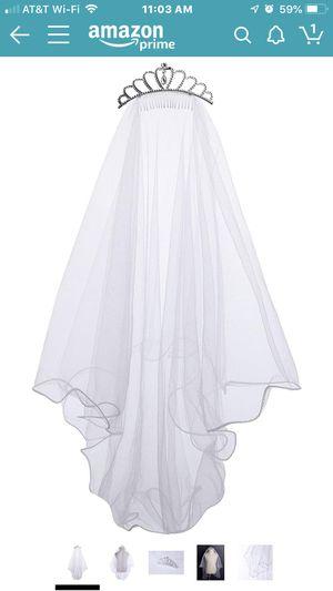 White Crown, Veil Tiara for Sale in Hawthorne, CA