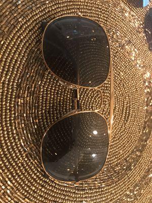 Ray-Ban aviator sunglasses for Sale in Champaign, IL