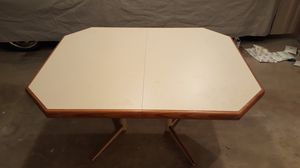 Kitchen / Dining Table and 5 Chairs for Sale in Bothell, WA