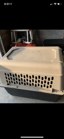 Kennel dog 30x 20 large for Sale in Zebulon, NC