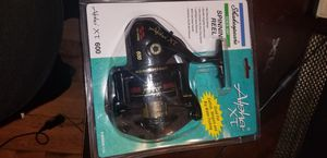 Shakespeare Fishing Spinning Reel for Sale in San Diego, CA