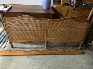 antique twin cane day bed for Sale in Tacoma, WA